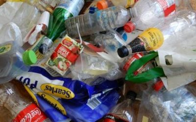 If living without plastic was easy, we would all be doing it! Plastic free living